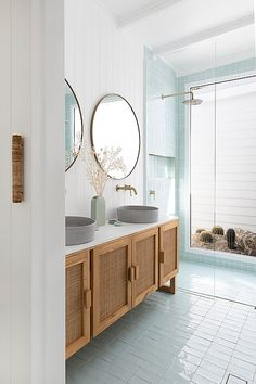 Likes, 80 Comments - Villa Styling Bad Inspiration, Bathroom Inspiration, Interior Design Studio, Bathroom Interior Design, House And Home Magazine, Beautiful Bathrooms, Cheap Home Decor, Home Decor Accessories, Home Remodeling