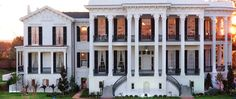 Front view of Nottoway Plantation.