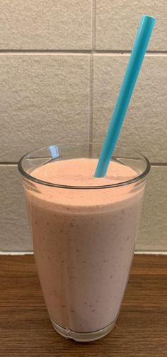 Lavkarbo, helt enkelt! – «Lille lørdag» dessert - Lavkarbo Glass Of Milk, Mousse, Pudding, Desserts, Food, Tailgate Desserts, Deserts, Custard Pudding, Essen