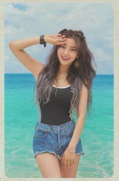 i remember when i was just getting into twice i legit thought jihyo is the main visual. K Pop, Kpop Girl Groups, Korean Girl Groups, Kpop Girls, Nayeon, Asian Woman, Asian Girl, Twice Chaeyoung, Jihyo Twice
