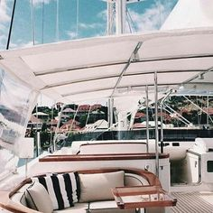 A boat the sea the sun ... what else ?  #StolenRiches #Since 1915