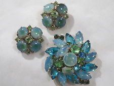 Vintage Juliana D& E  Blue Green Opaline Dome Rhinestone Cabochon Pin  Earring