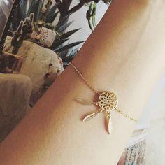bijoux fantaisie de créateur #bijouxfemme #bijouxfantaisie #montresfemme   Des bijoux fantaisie de créateur tendance 2018  #fashionjewerly #womenjewels