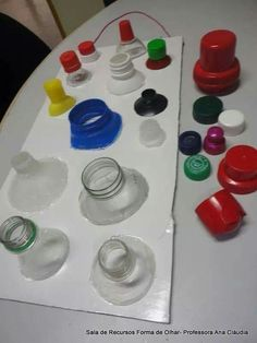 Lids to caps matching fine motor