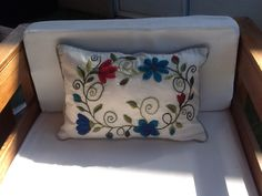 Almohadones bordados ines Etcheberry