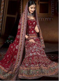 Hot HD Brdial Lehenga Choli Designs Pakistani Purple Sarees With . Indian Marriage Dress, Indian Bride Dresses, Indian Wedding Gowns, Indian Bridal Wear, Pakistani Wedding Dresses, Bridal Wedding Dresses, Designer Wedding Dresses, Pakistani Bridal, Wedding Lehnga