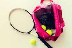 The perfect tennis bag is both essential for comfort and for the protection of your tennis playing equipment. Finding the perfect tennis racquet bag can be a real hustle with all the many brands of bags available in the market. Tennis Camp, Tennis Rules, Pro Tennis, Tennis Gear, Tennis Tips, Tennis Clothes, Tennis Outfits, Tennis Party, How To Play Tennis