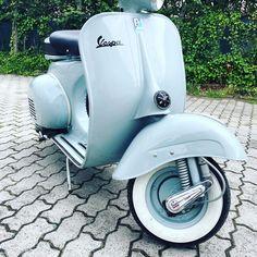 vespa 1961 - Búsqueda de Google Vespa, Motorcycle, Vehicles, Google, Spongebob, Wasp, Hornet, Vespas, Motorcycles