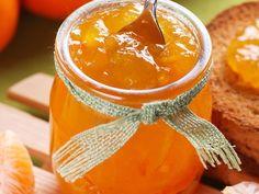 Si il y a une confiture à faire en hiver c'est celle de mandarine ou de clémentine, elle se conserve 1 ou 2 ans, et rien n'est meilleur qu'une confiture maison.