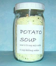 Potato Soup Mix – The Make Your Own Zone Homemade potato soup mix – easy to make using instant potato flakes Homemade Dry Mixes, Homemade Spices, Homemade Seasonings, Dry Soup Mix, Soup Mixes, Spice Mixes, Mason Jar Meals, Meals In A Jar, Food Storage