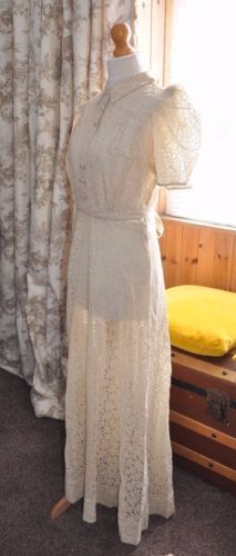 Outlander Wedding Dress with Lacing