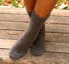 Falling For Fall Socks, sock loom pattern