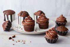 Suklaamuffinit 20 Min, Food Inspiration, Bakery, Cupcakes, Candy, Chocolate, Breakfast, Sweet, Desserts