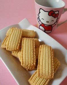 Comme promis voici la recette des délicieux biscuits de Malaisie qui peuvent tout aussi bien accompagner une tasse de thé ou un dessert. Ces petits sablés fins, fondants et croustillants à la fois…