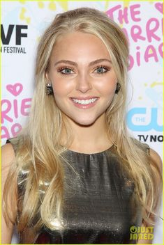 AnnaSophia Robb, LOVE this makeup and hair style!!