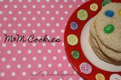 Angel of Berlin: [bakes...] M Cookies