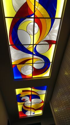Superb ceilling Modern Stained Glass, Stained Glass Light, Stained Glass Paint, Stained Glass Projects, Stained Glass Patterns, Stained Glass Windows, Mirror Mosaic, Mosaic Art, Mosaic Glass