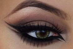 Winged liner on point.