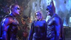Chris O'Donnell as Robin, Alicia Silverstone as Batgirl, and George Clooney as Batman Batman And Robin Movie, Batgirl And Robin, Batman Family, George Clooney, Arnold Schwarzenegger, Alicia Silverstone Batgirl, Dc Comics Film, Batman Beyond, Batman The Dark Knight