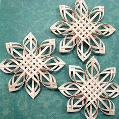 three dimensional paper snowflakes