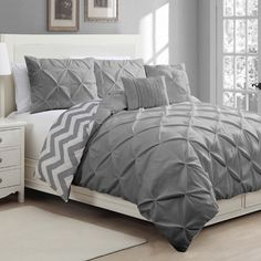 The Ella 5-piece Reversible Duvet Cover Set will work in any bedroom with its natural and soft look, made up of beautiful pintucks and a chic chevron print. Made with super soft microfiber and includes comforter, two shams, and two decorative pillows.