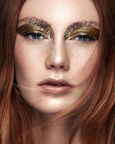 5 Breathtaking Beauty Looks With Glitter via @WhoWhatWearUK