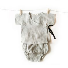 kimono set for your stylish little one to cuddle and snuggle all day. Premium quality 100% natural linen. Pre-washed and pre-shrunk. High quality natural linen is imported from Europe and carefully ha                                                                                                                                                                                 More