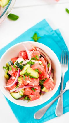 Tossed with red onion, mint and feta cheese, this is the perfect sweet and savory salad for summer. Tossed with red onion, mint and feta cheese, this is the perfect sweet and savory salad for summer. Cucumber Watermelon Salad, Cucumber Recipes, Watermelon Recipes, Raw Food Recipes, Cooking Recipes, Chef Salad Recipes, Fast Recipes, Savory Salads, Antipasto
