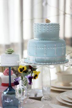 Chic elegant fondant wedding cake by babe_kats, via Flickr