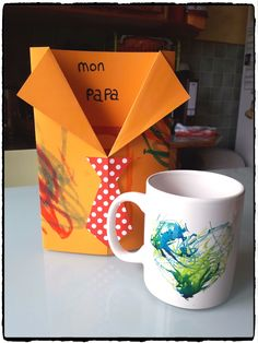 Fête des pères 2017 – Mes humeurs créatives by Flo Diy Sharpie Mug, Tableware, Parents, Wedding Souvenir, Kindergarten Stem, Father's Day, Gifts, Dinnerware, Fathers