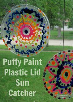 Puffy Paint Plastic Lid Suncatcher #Kids #Craft