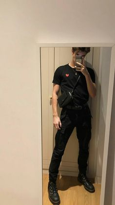 140 best summer fashion ideas for men that looks cool 3 Fashion Mode, Aesthetic Fashion, Grunge Fashion, Aesthetic Clothes, Boy Fashion, Korean Fashion, Fashion Outfits, Fashion Trends, Grunge Men