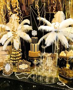 Great Gatsby Party Decorations & Ideas For A DIY Gatsby Theme Birthday - VCDiy Decor And More Party like Gatsby with these black and gold Great Gatsby birthday party decorations. Gatsby theme party decorations are great art deco theme party. Great Gatsby Party Decorations, Great Gatsby Themed Party, 1920 Theme Party, Diy 20s Decorations, Birthday Decorations, Party Decoration Ideas, Themed Parties, Party Party, Mascarade Party Decorations
