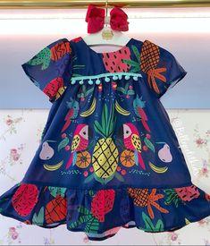 Dresses Kids Girl, Little Girl Outfits, Kids Outfits, Kids Frocks Design, Baby Frocks Designs, Toddler Fashion, Kids Fashion, Short African Dresses, Warm Dresses