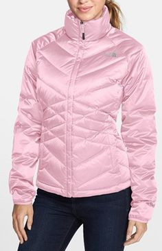 Love this down jacket from The North Face http://rstyle.me/n/ecciunyg6