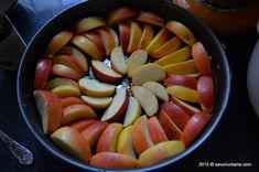 Prajitura rasturnata cu mere si caramel   Savori Urbane Caramel, Fruit Salad, Deserts, Dessert Recipes, Food And Drink, Ethnic Recipes, Sticky Toffee, Candy, Fruit Salads