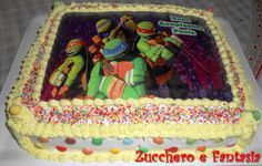 Torta Tartarughe Ninja - Torta base al cioccolato http://blog.cookaround.com/mariannathislove/torta-chitarra-ricetta-torta-al-cioccolato-da-farcire/  con crema diplomatica http://blog.cookaround.com/mariannathislove/crema-chantilly-e-crema-diplomatica-ricetta-fragoline-e-crema-di-vatel/