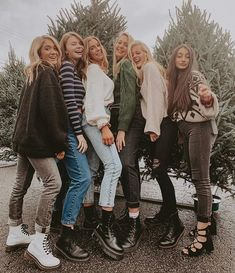 not a sponsored trip just got the gorlygirlgang together 😎 193514115227232310 Bff Pics, Cute Friend Pictures, Cute Photos, Cute Pictures, Family Pictures, Cute Friends, Best Friends, Besties, Best Friend Fotos