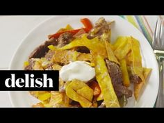"""This Steak Fajita Skillet Is Hotter Than Zac Efron In """"Baywatch"""" - http://www.delish.com/holiday-recipes/cinco-de-mayo/videos/a46431/fajita-skillet-dinner-is-awesome/"""