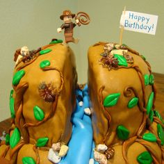 [12-14-08+Indiana+Jones+Cake+027.jpg]