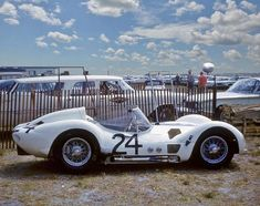 1960 Sebring 12h, paddock, Dave Causey with the Maserati Tipo 61 #2457 nr24 (Stear-Causey) dnf .