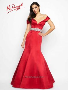Wear a dazzling red carpet style dress to your next formal occasion. Be the star of the party in a sexy, glamorous dress from the Black White Red collection Bridesmaid Dresses, Prom Dresses, Formal Dresses, Wedding Dresses, Glamorous Dresses, Mermaid Skirt, Glitz And Glam, Red Carpet Fashion, Bridal Gowns