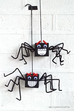 Cardboard Box Spiders - goofy halloween fun for kids of all ages | MollyMooCrafts.com