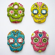 How to Make Day of the Dead Skull Cookies Using a Stamp and Food Coloring Paint | Cakegirls Step x Step