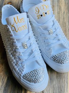 Groom Shoes, Converse Wedding Shoes, Bride Shoes, Bling Converse, Wedding Sneakers, Wedding Shoes Bride, Converse Brillantes, Zapatos Bling Bling, All White Converse