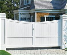 Cellular PVC Board Automatic Entrance Gate | Wood, Solid Cellular PVC and Vinyl Driveway, Estate and Walkway Gates from Walpole Woodworkers