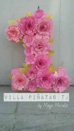 Piñatas Paper Flowers Craft, Paper Flower Backdrop, Kids Birthday Party Invitations, 1st Birthday Parties, Pink Gold Party, 1st Birthday Decorations, Baby Girl First Birthday, Paper Flower Tutorial, Floral Letters