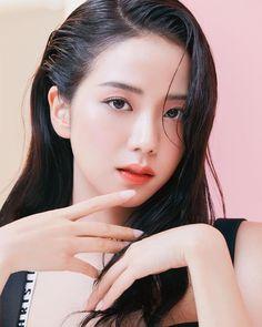 Blackpink Jisoo, Kim Jennie, Yg Entertainment, South Korean Girls, Korean Girl Groups, Square Two, Black Pink ジス, W Korea, Blackpink Members