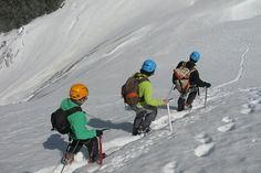 Tres alpinistas descienden el Mont Pourri (archivo)