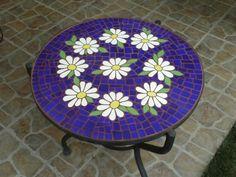 Resultado de imagen para Mosaic dog by Solange Piffer Easy Mosaic, Mosaic Tray, Mosaic Glass, Mosaic Tiles, Mosaics, Mosaic Art Projects, Mosaic Crafts, Mosaic Designs, Mosaic Patterns